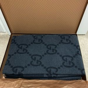 NEW Gucci wool&cashmere luxury blanket